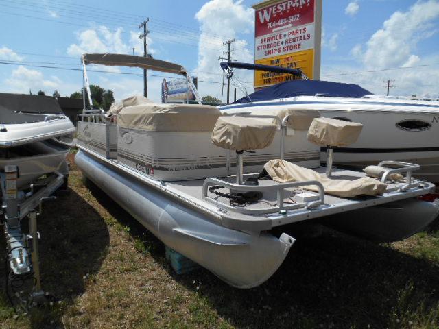 2001 sylvan 24 39 824 fish and cruise carolina boat for Sylvan fishing boats